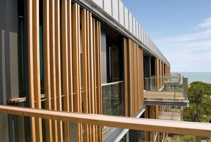 Atelier tonini trova vetraio for Rivestimenti in legno verticali